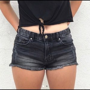 H&M black ripped jean shorts 🖤